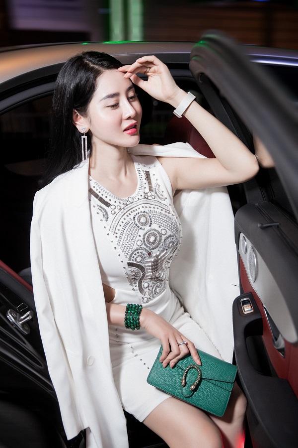 Á khôi Triệu Hà Vy cùng vẻ đẹp vạn người mê